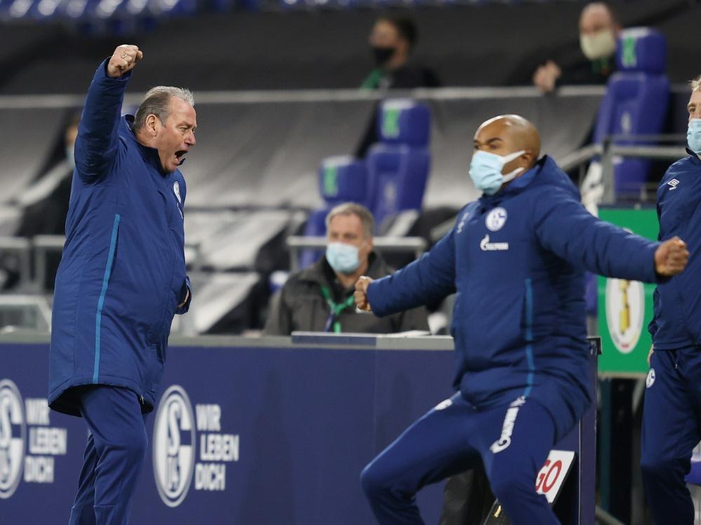 Schalke und Dortmund weiter, Fürth überrascht Hoffenheim. ©FIRO/SID