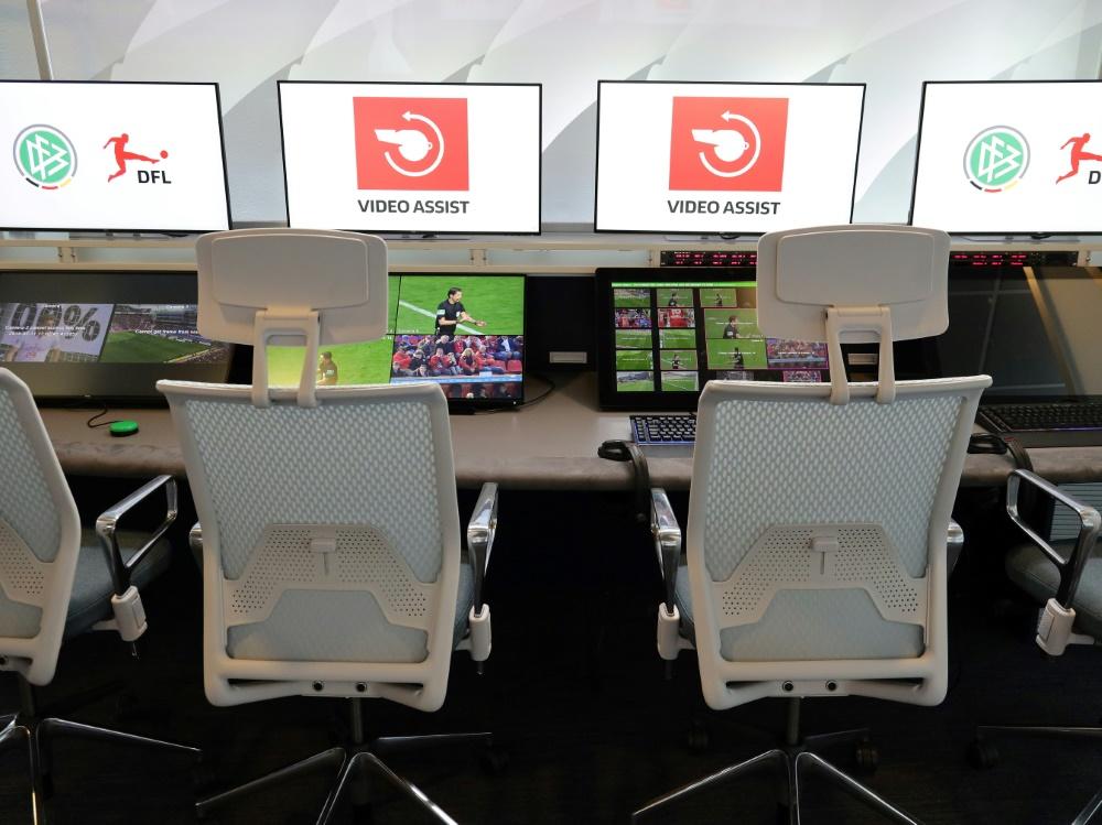 UEFA kriegt Videobeweis-Raum in Nyon. ©FIRO/SID