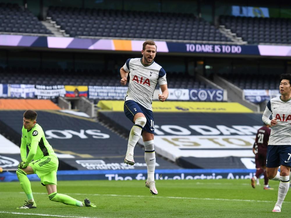 Harry Kane bringt die Spurs per Foulelfmeter in Führung. ©SID Andy Rain