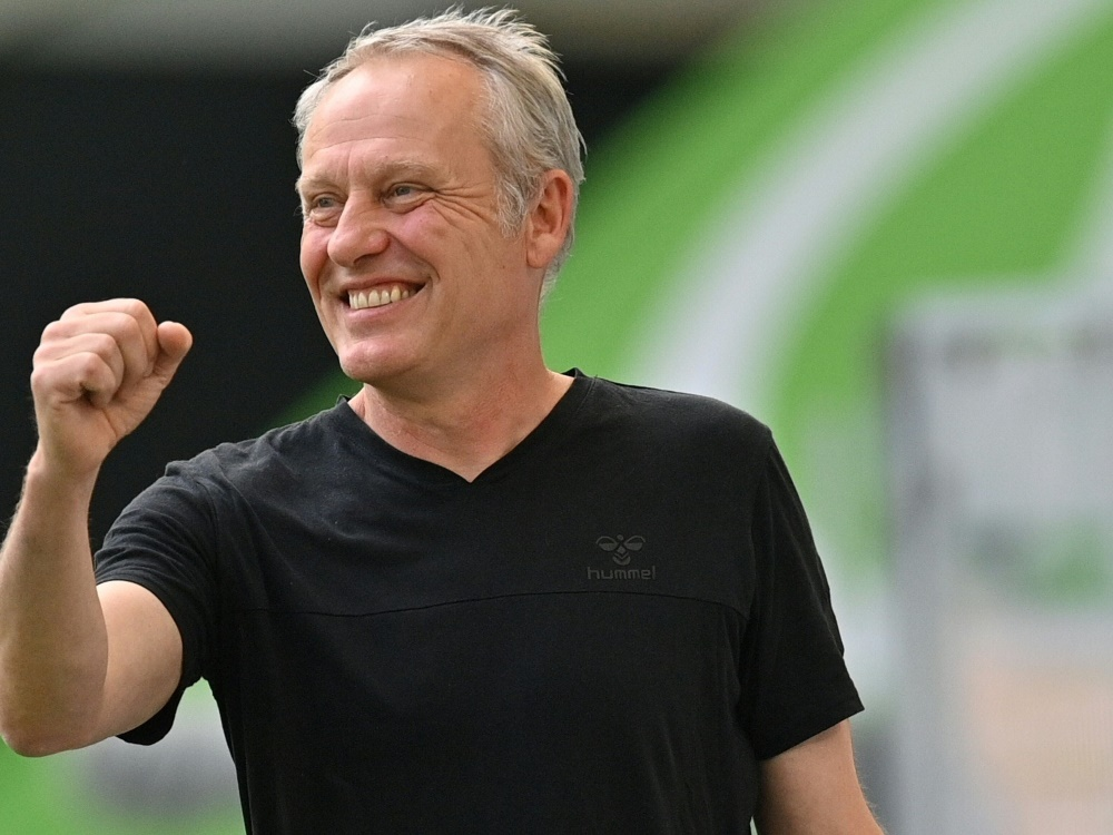Nächster Sieg für Freiburg und Trainer Streich. ©SID SASCHA STEINBACH