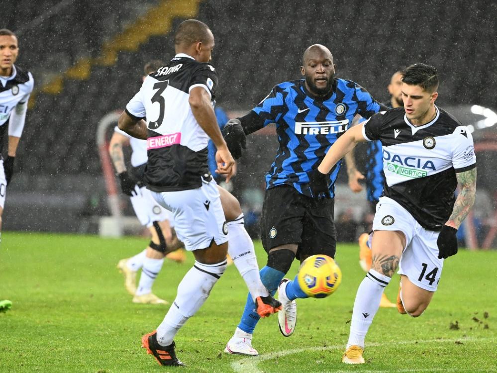 Inter Mailand nutzt Ausrutscher von Lokalrivalen nicht. ©SID VINCENZO PINTO
