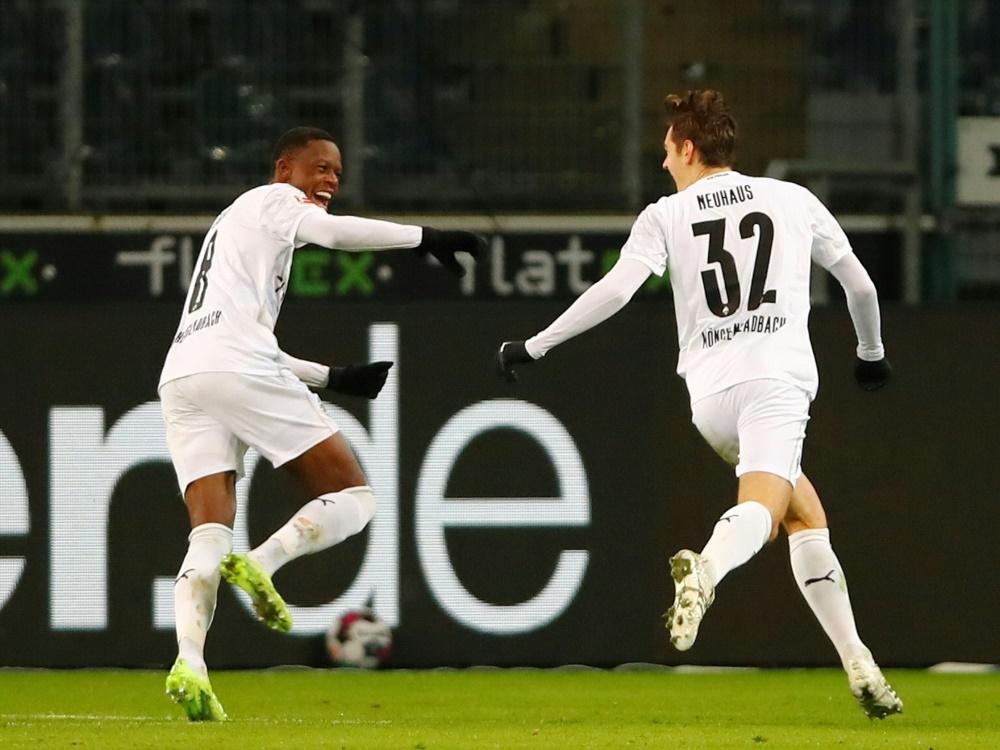 Florian Neuhaus mit dem entscheidenden Treffer zum 3:2. ©POOL/AFP WOLFGANG RATTAY