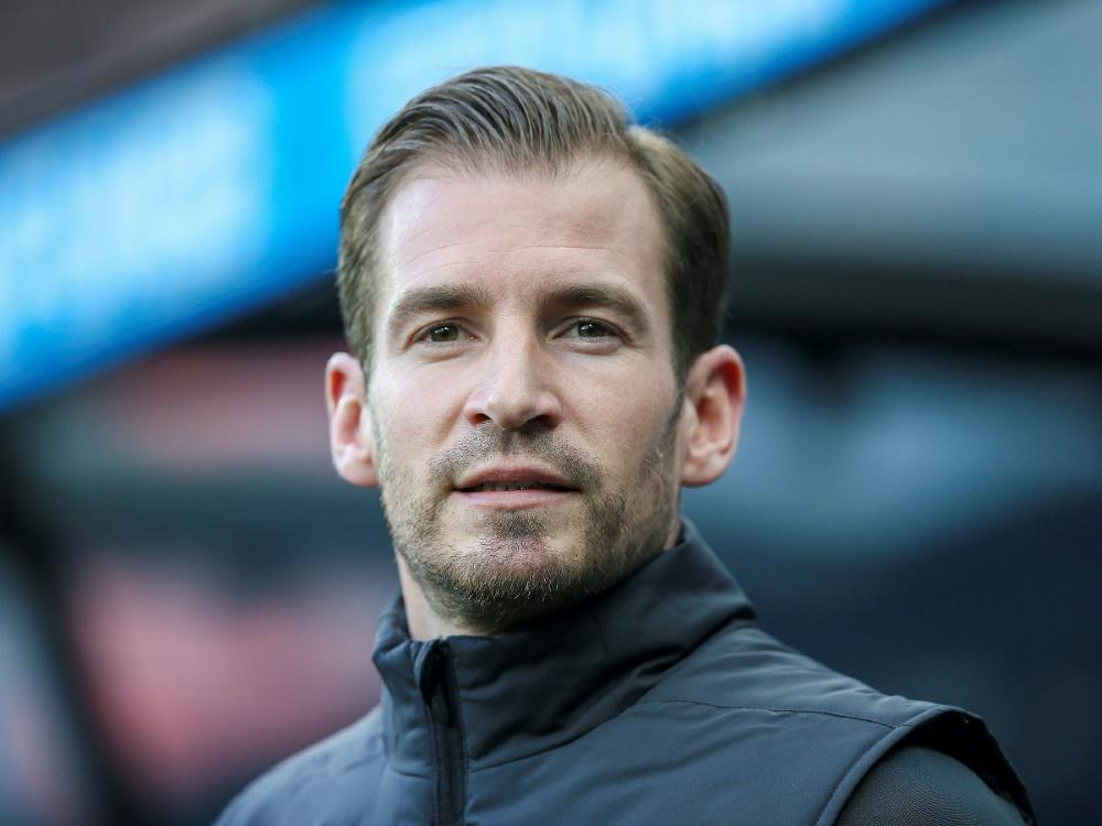 Jan Siewert betreut Mainz im Spiel gegen die Bayern. ©FIRO/SID