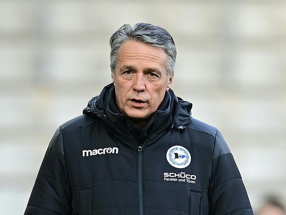 Uwe Neuhaus und Bielefeld wollen gegen Berlin punkten. ©FIRO/SID