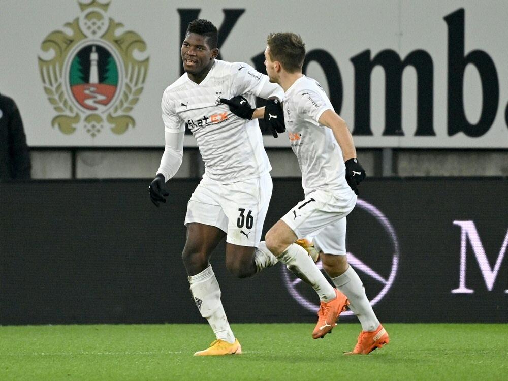 Embolo erzielt das Tor für Borussia Mönchengladbach. ©SID INA FASSBENDER