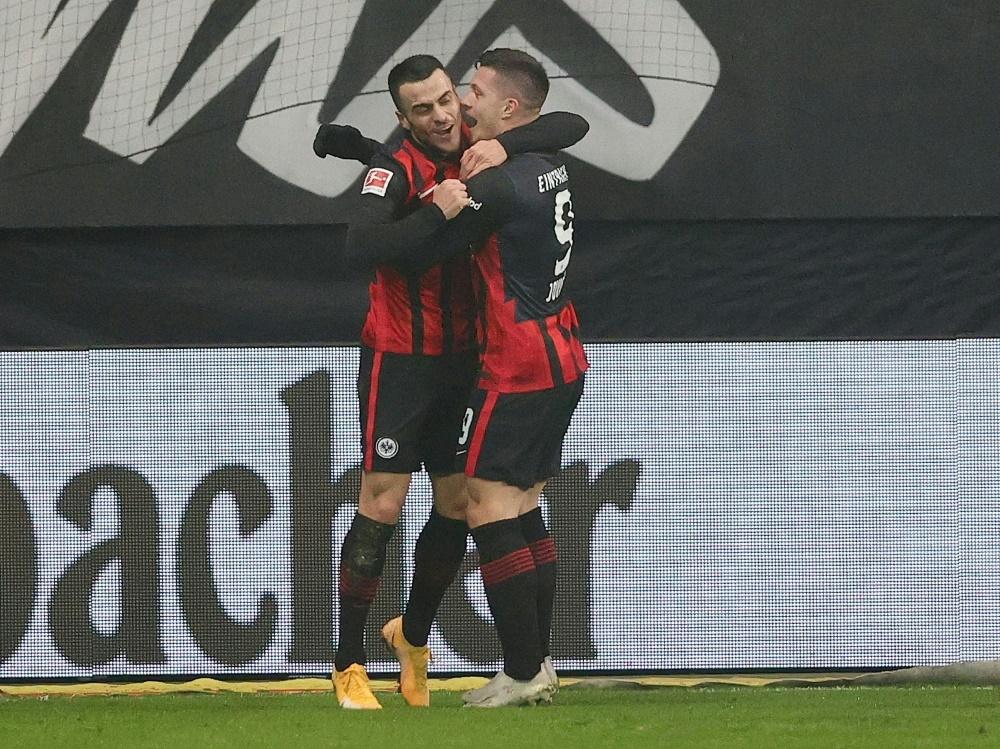 Jovic (r.) erzielte bei seiner Rückkehr zwei Tore. ©FIRO/SID