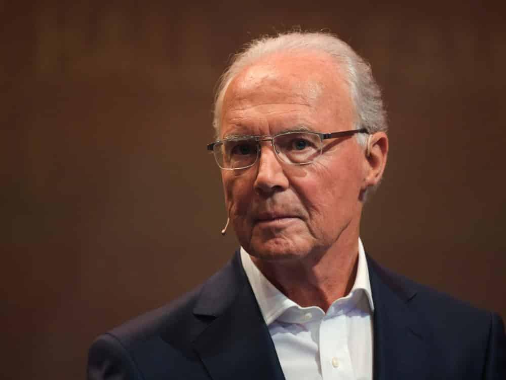 Beckenbauer fordert klares Bekenntnis von Hansi Flick. ©SID INA FASSBENDER