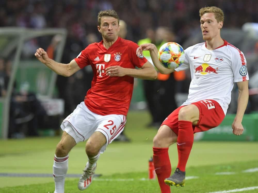 Halstenberg (r.) würde gern mit Müller zusammenspielen. ©SID TOBIAS SCHWARZ