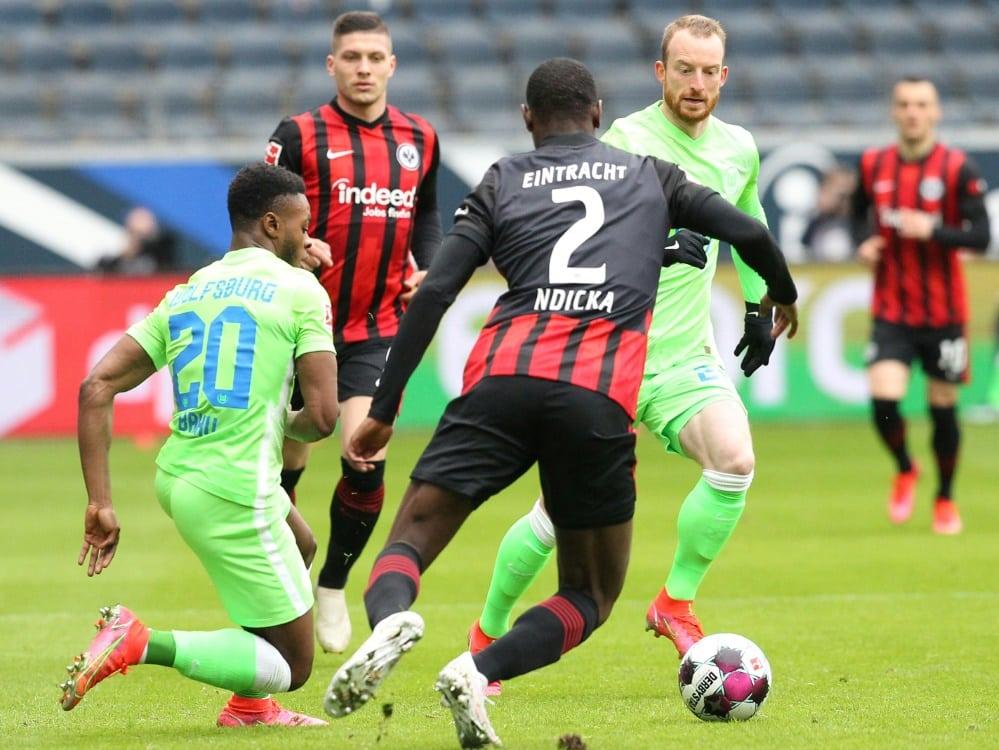 Frankfurt sichert sich knapp den Sieg gegen Wolfsburg. ©SID DANIEL ROLAND