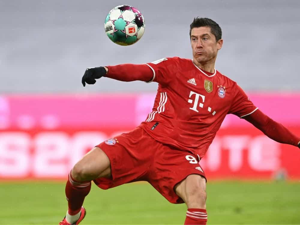 Robert Lewandowski steht gegen Mainz in der Startelf. ©SID CHRISTOF STACHE