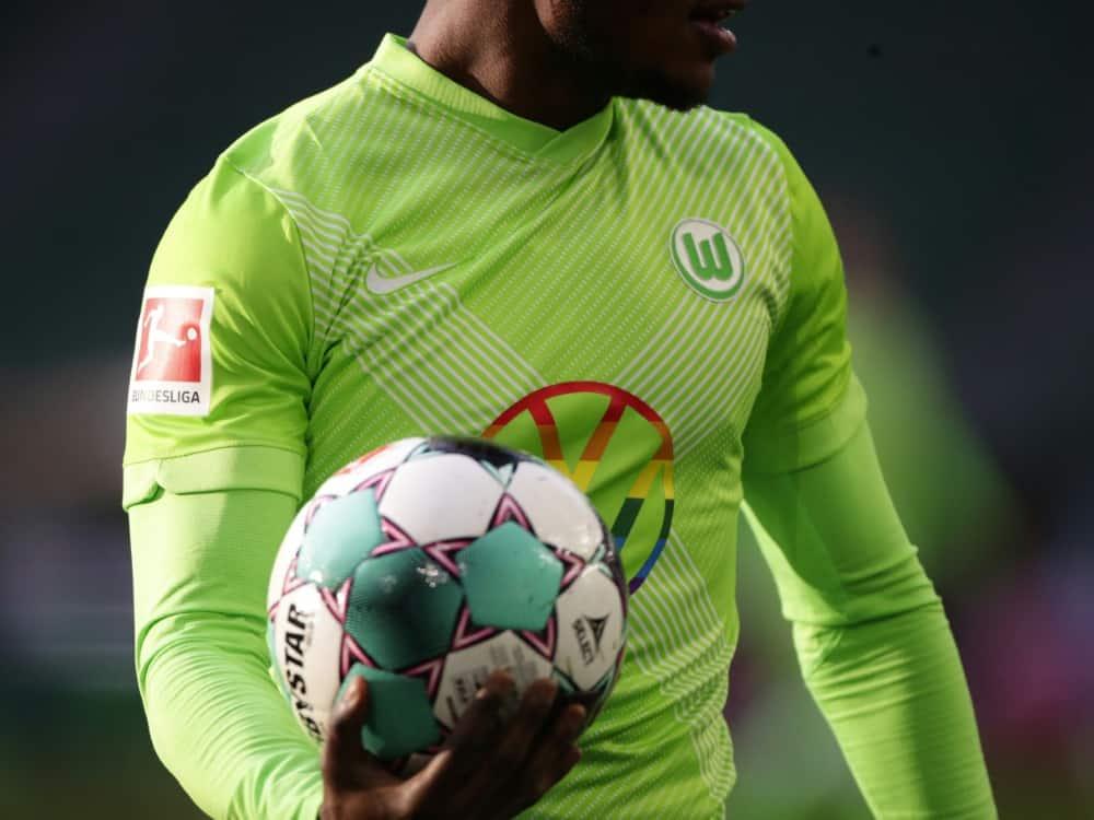 Laut Umfrage sinkt die Attraktivität der Bundesliga . ©SID HANNIBAL HANSCHKE