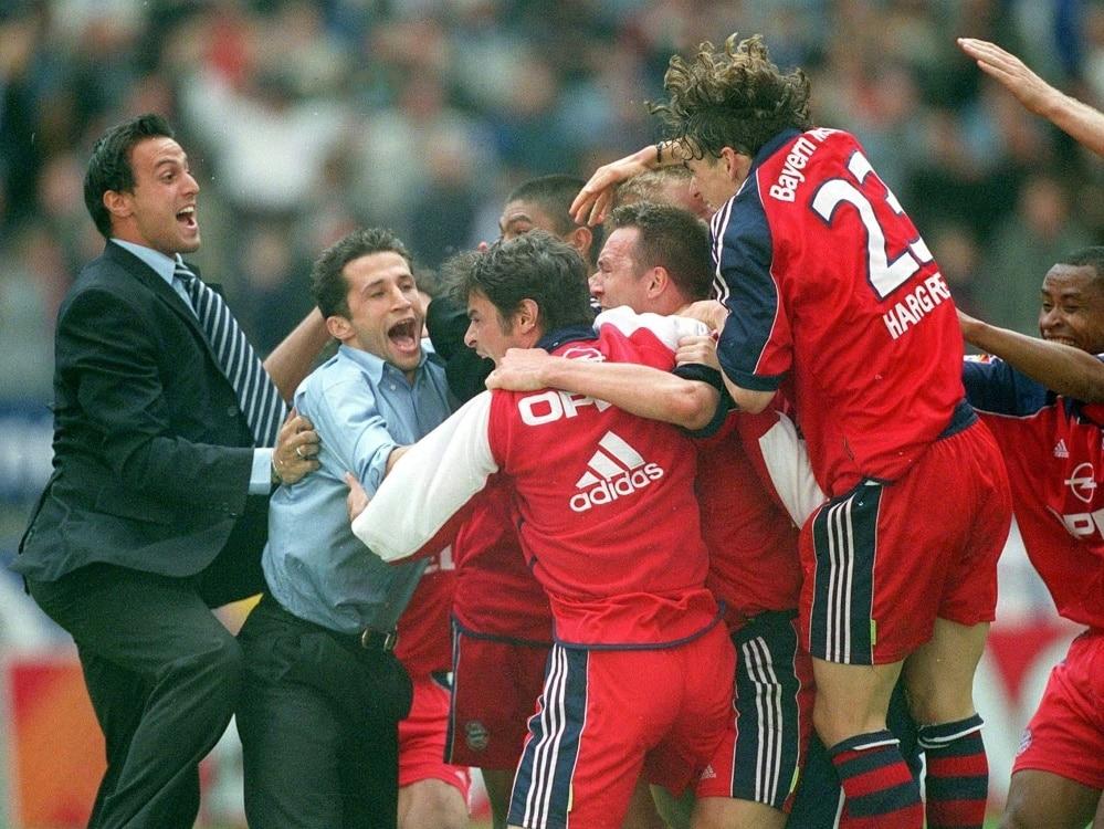 Bayern München gewinnt 2001 die Meisterschaft. ©FIRO/SID