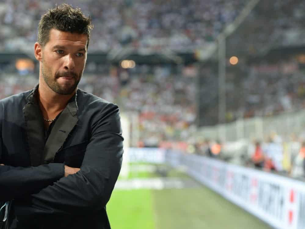 EM: Ballack zählt das DFB-Team nicht zu den Favoriten. ©SID PATRIK STOLLARZ