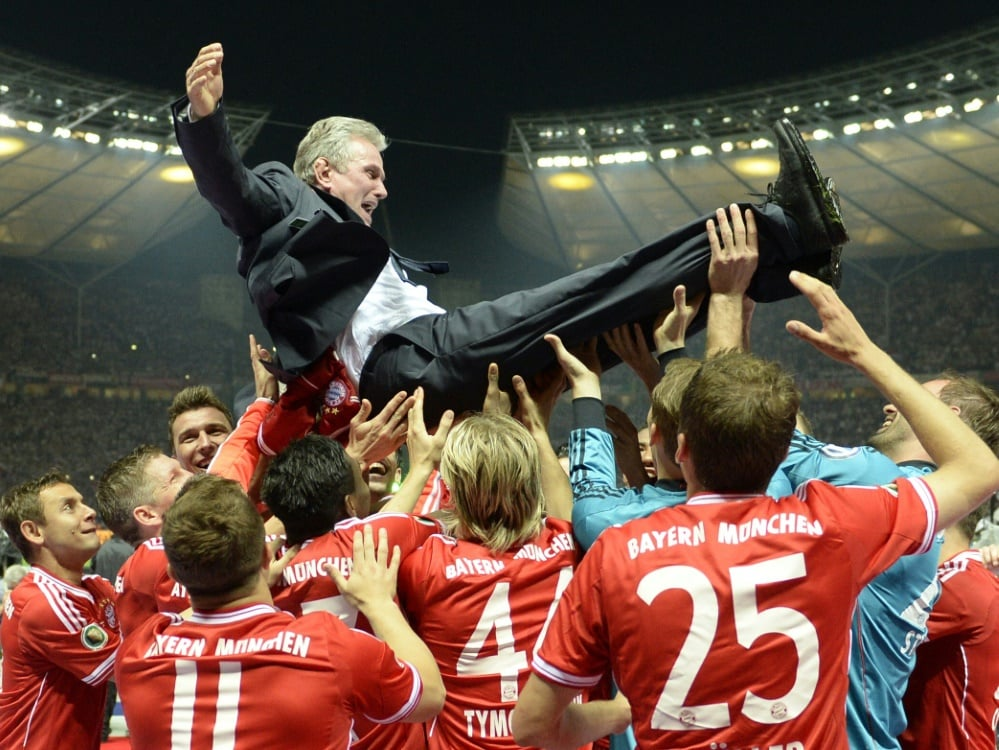Jupp Heynckes war nach dem Pokalsieg in Feierlaune. ©SID CHRISTOF STACHE