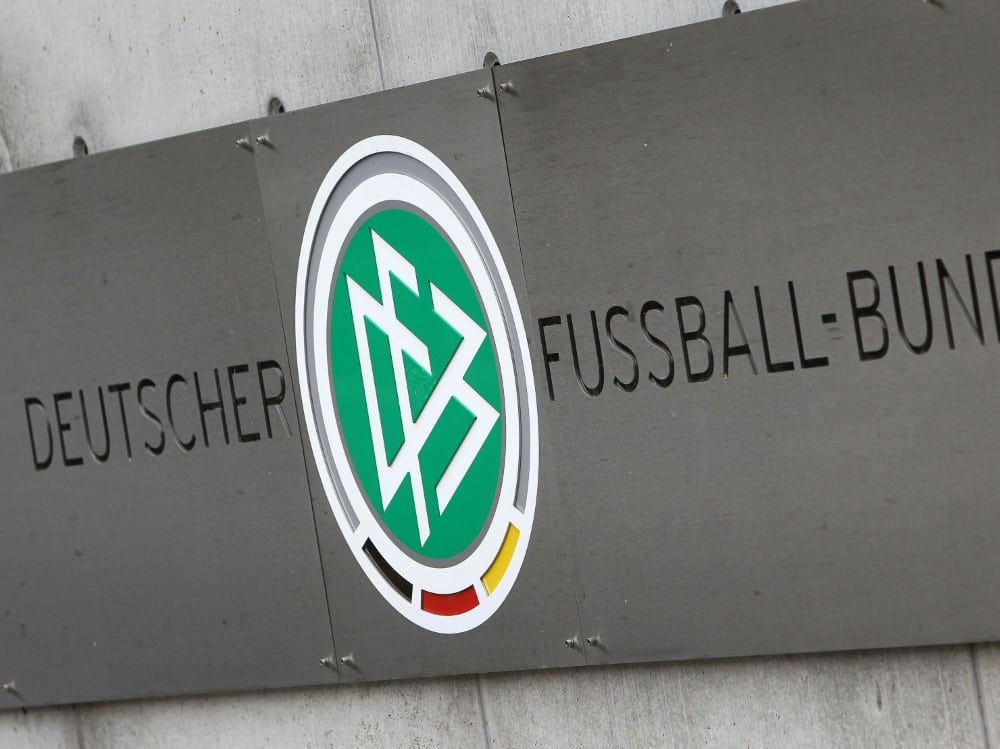 Der DFB beklagt Mitgliederrückgang im Amateurbereich. ©SID DANIEL ROLAND