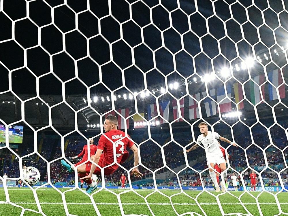 Eigentor von Merih Demiral ist der erste Treffer der EM. ©SID FILIPPO MONTEFORTE