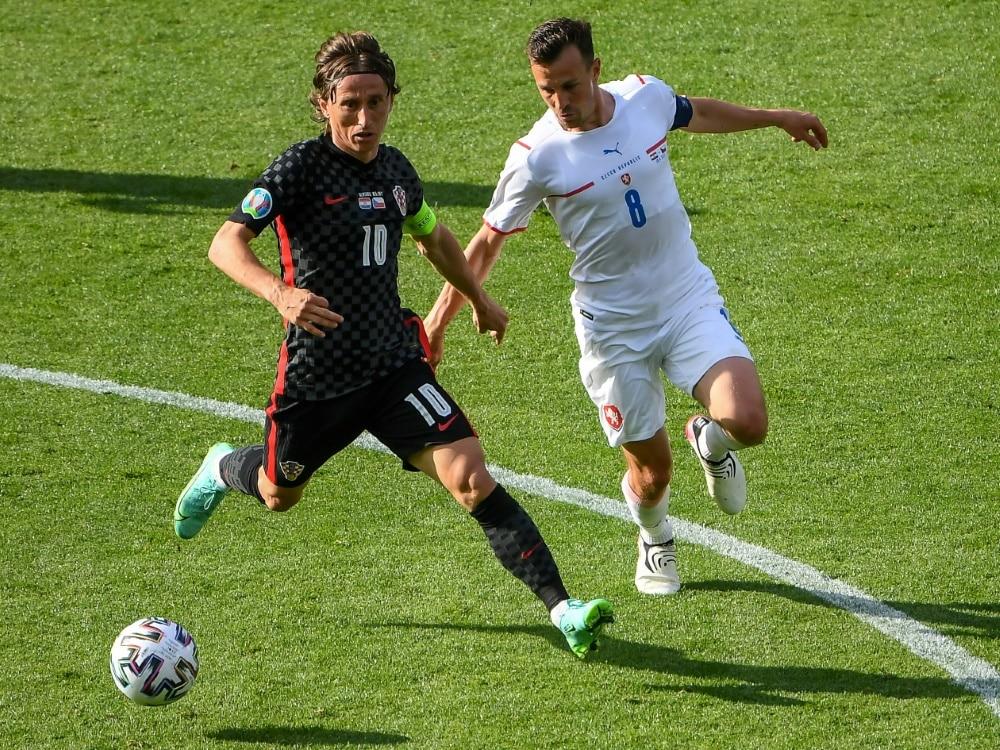 Luka Modric und Kroatien droht EM-Aus in der Vorrunde. ©SID ANDY BUCHANAN