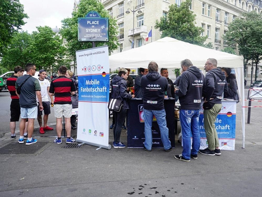 Die KOS ist bei der EM mit mobiler Fanbotschaft vor Ort. ©KOS/KOS