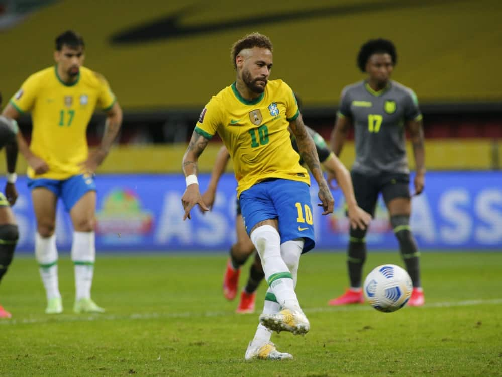 Superstar Neymar trifft vom Punkt. ©SID SILVIO AVILA