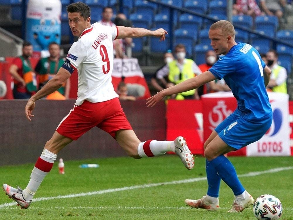 Polen und Island trennen sich 2:2. ©SID JANEK SKARZYNSKI