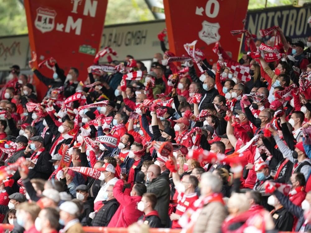 Fans wünschen sich mitgliedergeführte Vereine. ©SID MICHAEL SOHN