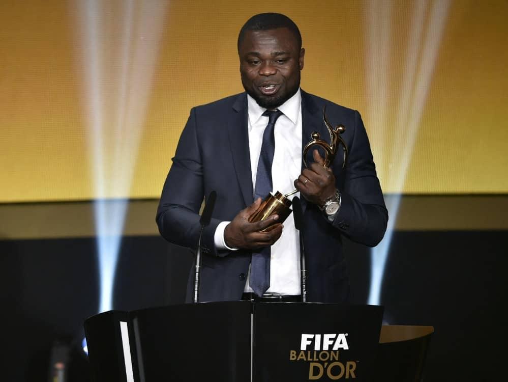Gerald Asamoah äußert sich über Rassismus im Fußball. ©SID FABRICE COFFRINI
