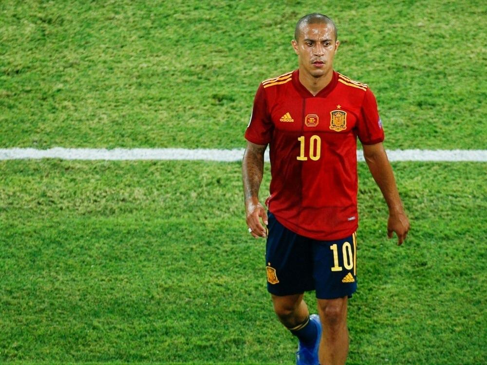 Thiago vermisst die Magie im modernen Fußball. ©FIRO/SID