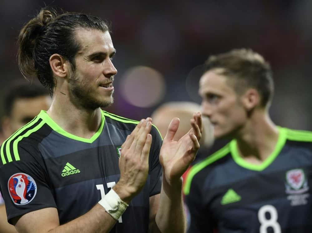 2016 stand Gareth Bale mit Wales im EM-Halbfinale. ©SID MIGUEL MEDINA