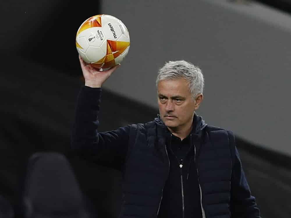 Jose Mourinho sieht viele Titelkandidaten bei der EM. ©SID ADRIAN DENNIS
