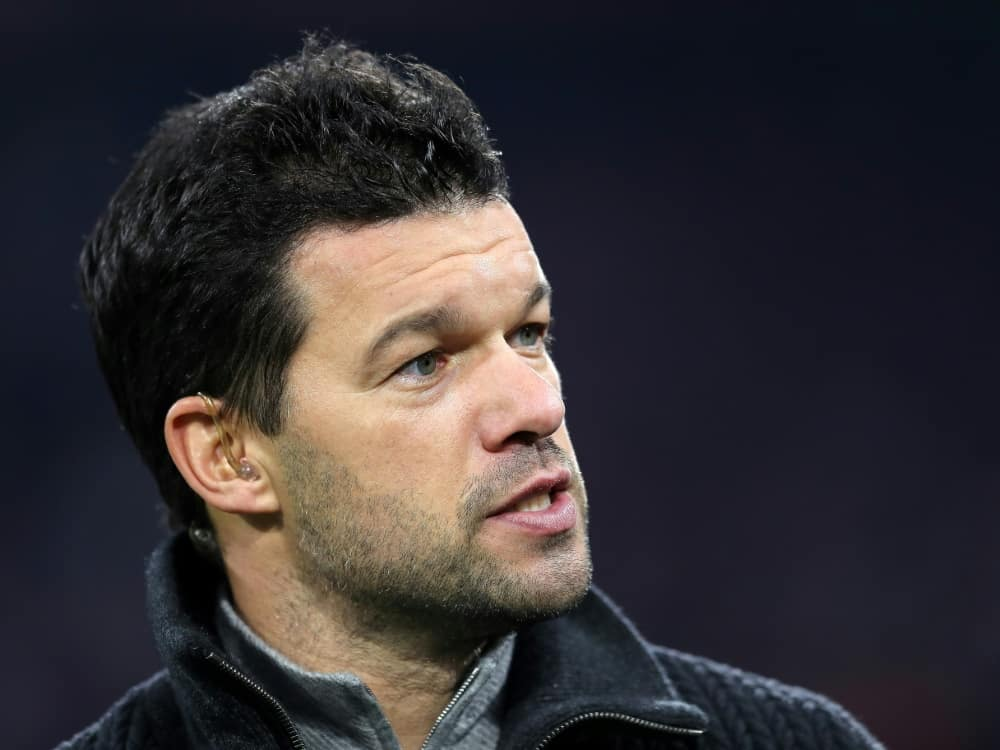 Ballack hat den DFB für die Turbulenzen kritisiert. ©FIRO/SID