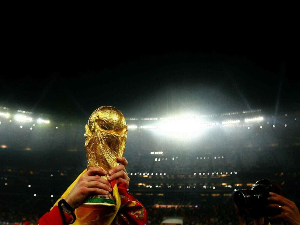 Spanien und Portugal bewerben sich für die WM 2030 . ©firo Sportphoto/SID