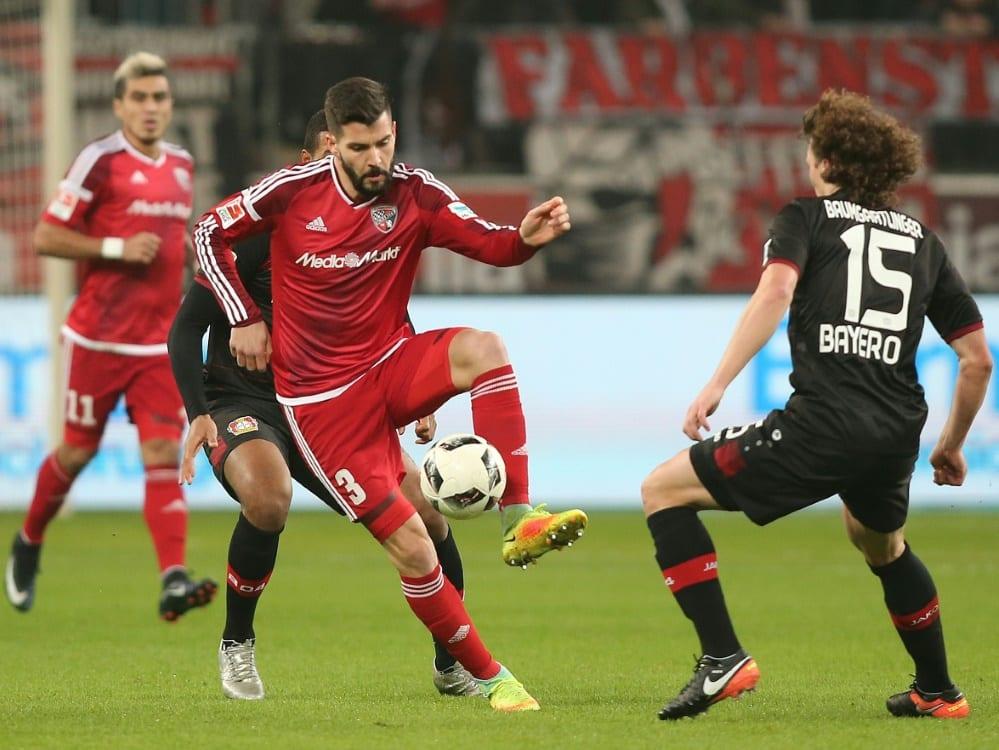 Anthony Jung (l) wechselt aus Dänemark zu Werder Bremen. ©FIRO/SID