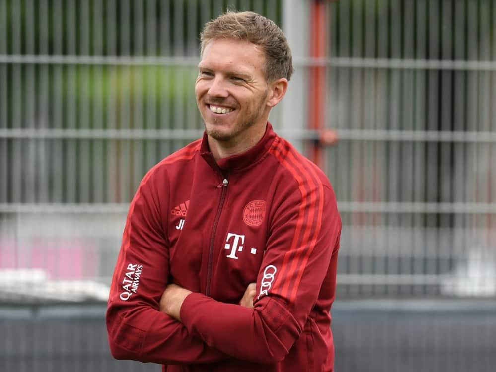 Nagelsmann traf sich vor dem Trainingsauftakt mit Hoeneß. ©SID CHRISTOF STACHE