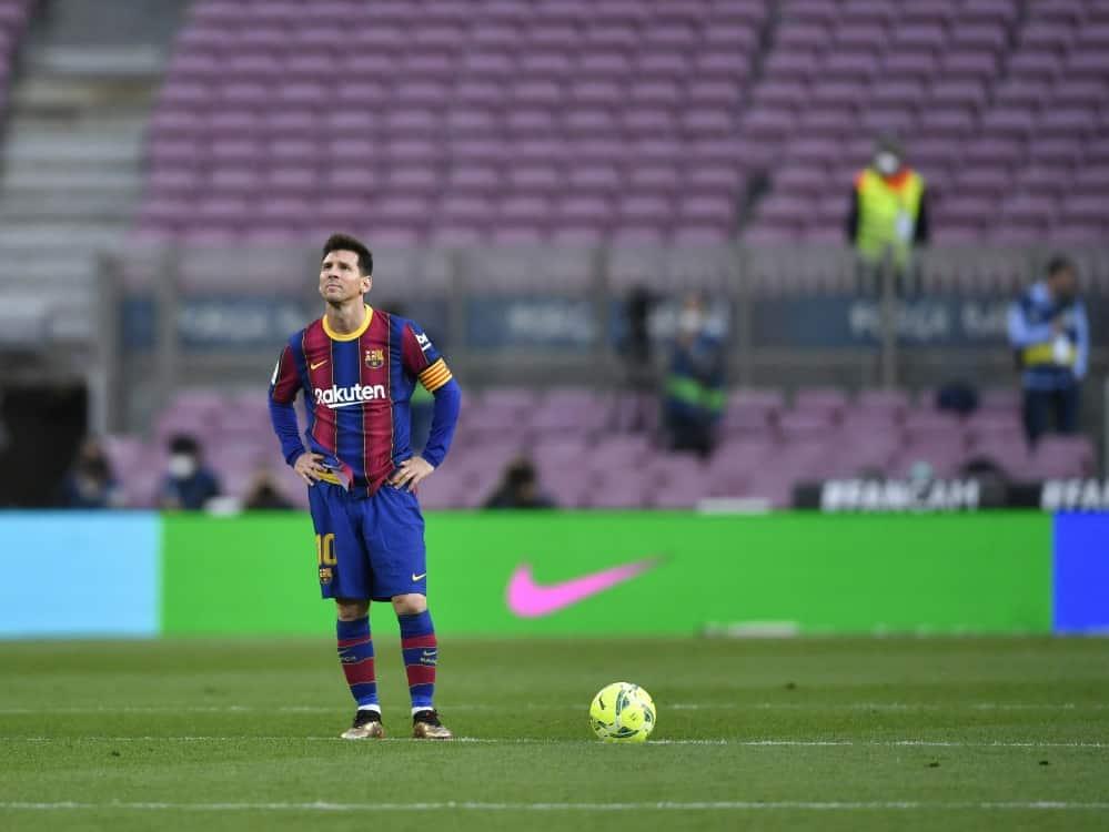 Lionel Messi und der FC Barcelona gehen getrennte Wege. ©SID PAU BARRENA