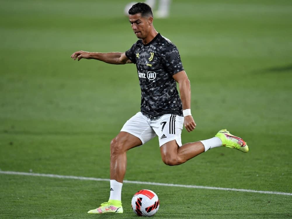 Cristiano Ronaldos Wechsel sorgt für Schlagzeilen. ©SID PAU BARRENA