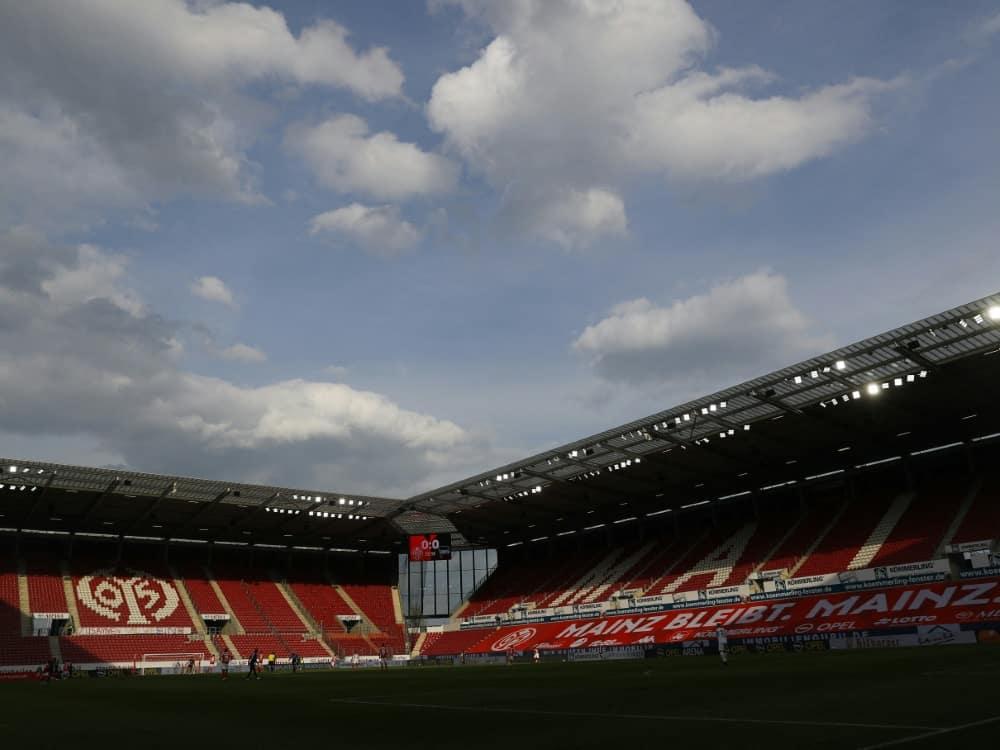2G-Regel: Mainz 05 darf vor 25.000 Zuschauern spielen. ©SID KAI PFAFFENBACH