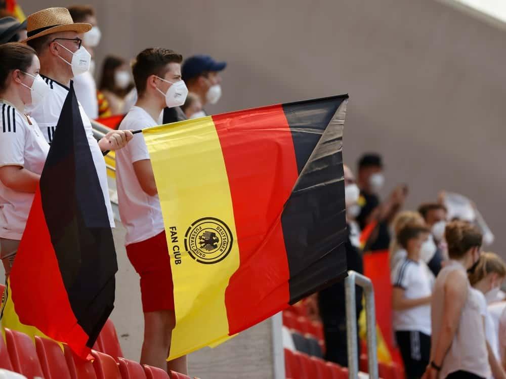 WM-Qualifikation: Fans können sich impfen lassen. ©FIRO/SID