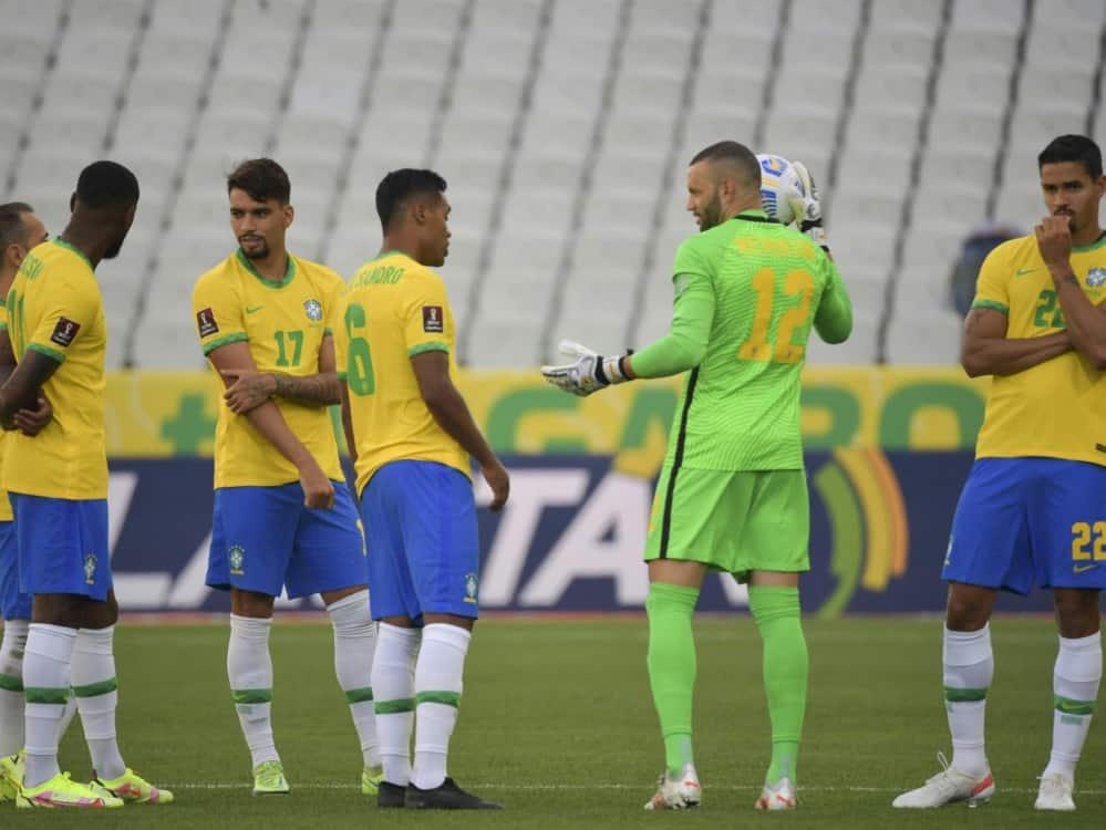 Unterbrechung beim Spitzenspiel Brasilien - Argentinien. ©SID NELSON ALMEIDA