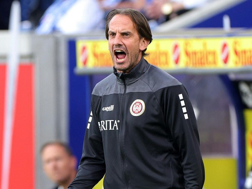Pleite für Wiesbaden mit Trainer Rüdiger Rehm. ©FIRO/SID