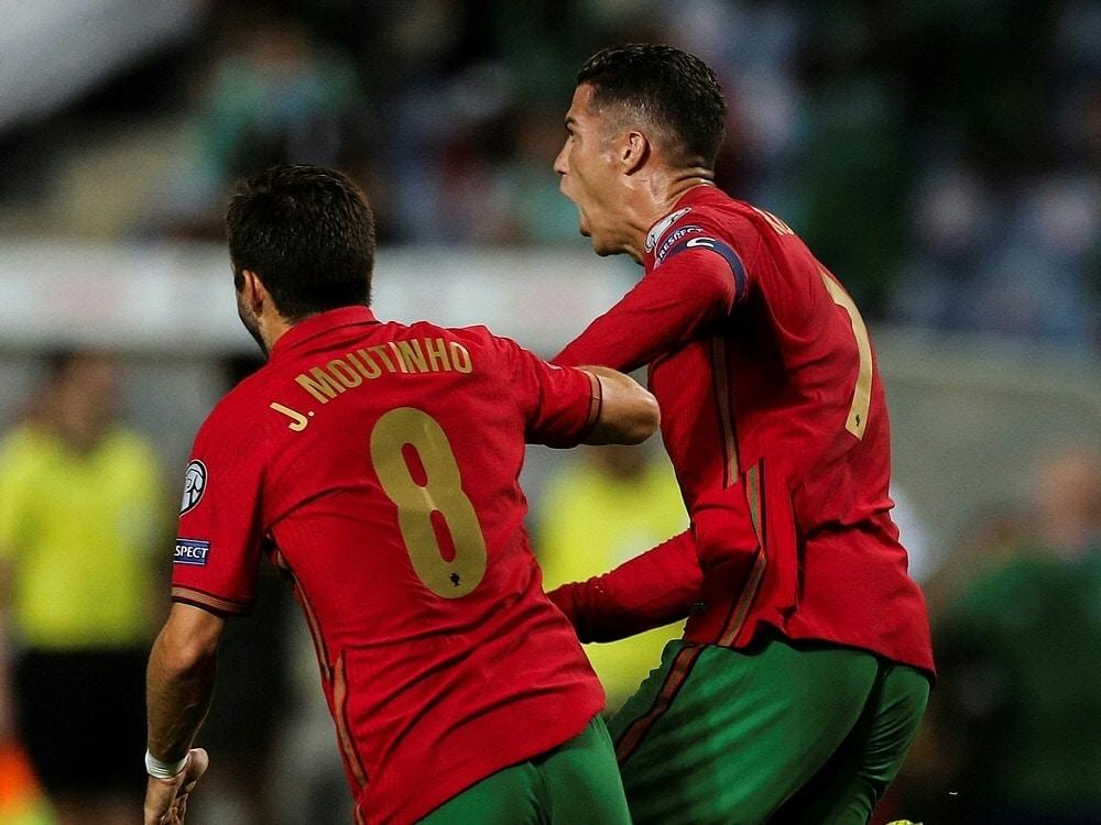 Cristiano Ronaldo rettet Portugal späten Sieg. ©SID CARLOS COSTA