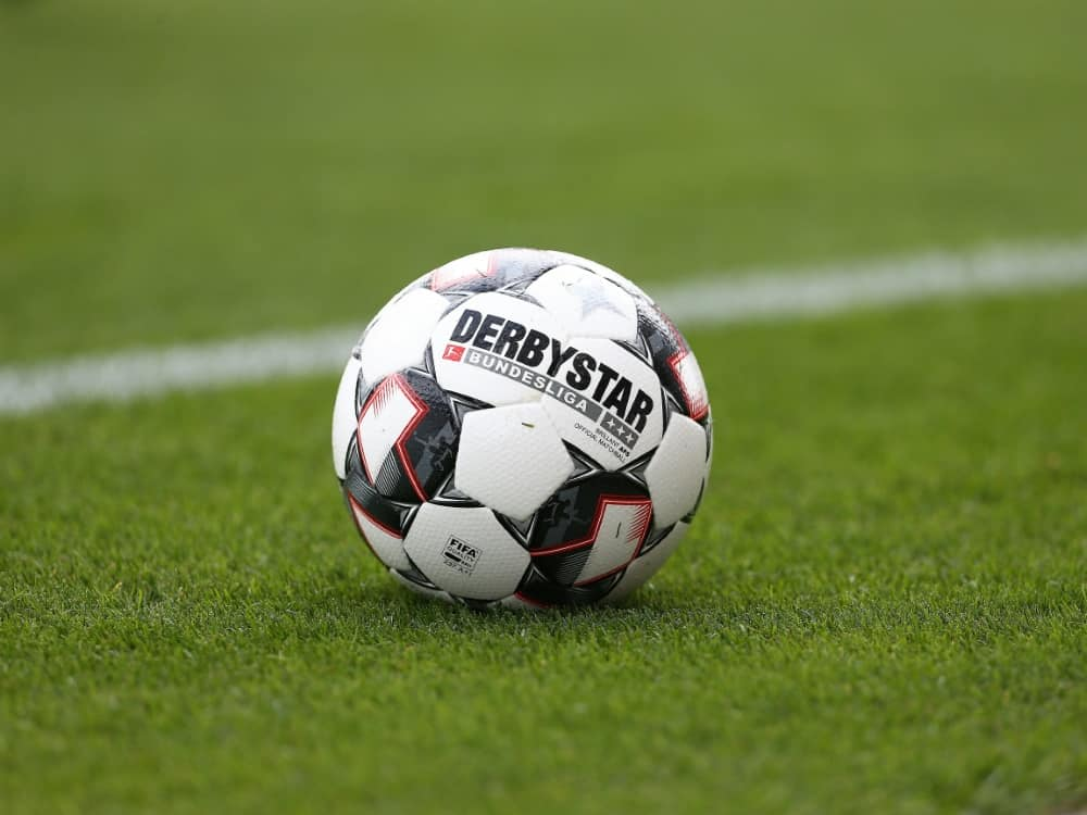 DFB: Nachhaltigkeit muss im Amateurfußball ansetzen. ©FIRO/SID