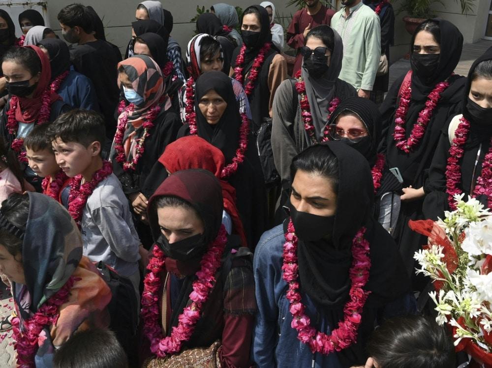 Afghanische Fußballerinnen konnten nach Pakistan fliehen. ©SID ARIF ALI