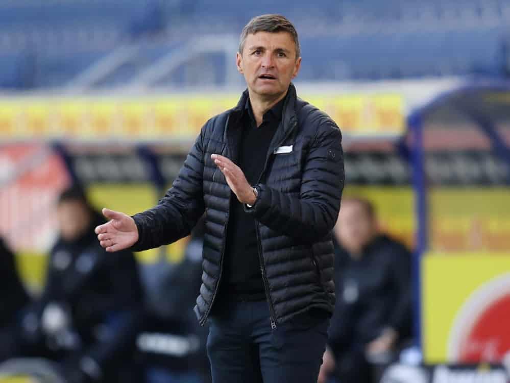 Michael Köllner darf das Stadion in Halle nicht betreten. ©FIRO/SID