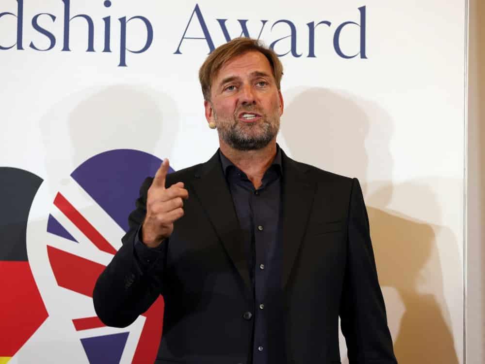 """Klopp wird mit German-British #Freundship Award"""" geehrt. ©FIRO/SID"""