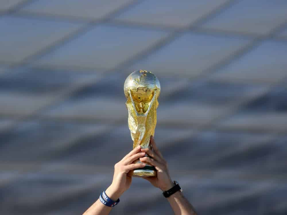 Fans gegen WM im Zwei-Jahres-Rhythmus. ©FIRO/SID