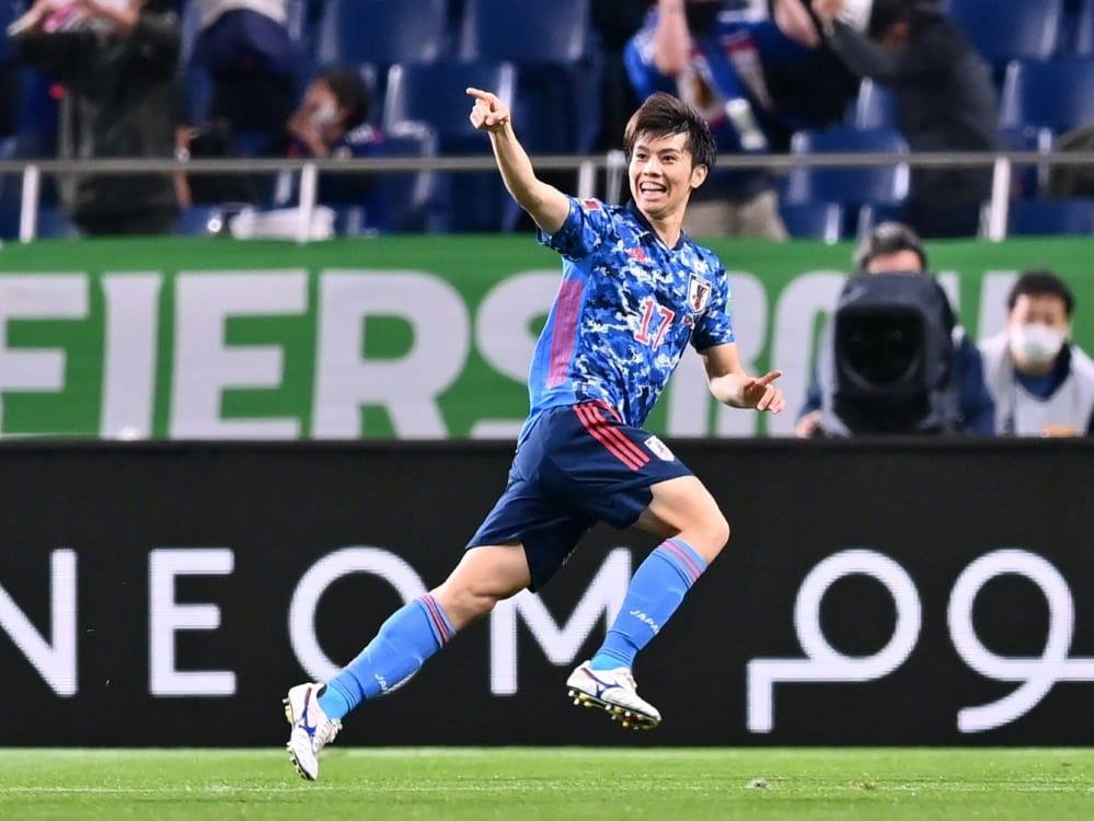 Ao Tanaka von Fortuna Düsseldorf jubelt über das 1:0. ©SID CHARLY TRIBALLEAU