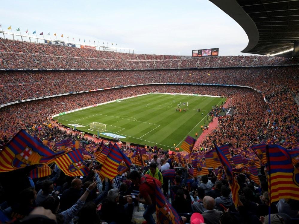 Das Camp Nou darf wieder voll ausgelastet werden. ©SID LLUIS GENE
