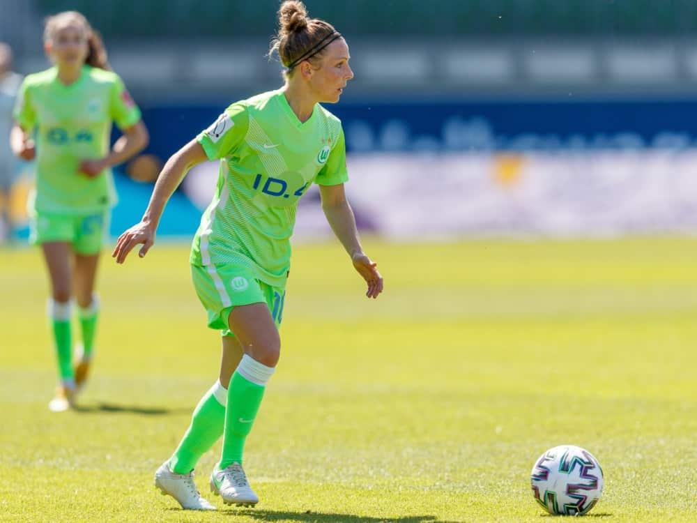 Svenja Huth brachte Wolfsburg in Führung. ©FIRO/SID