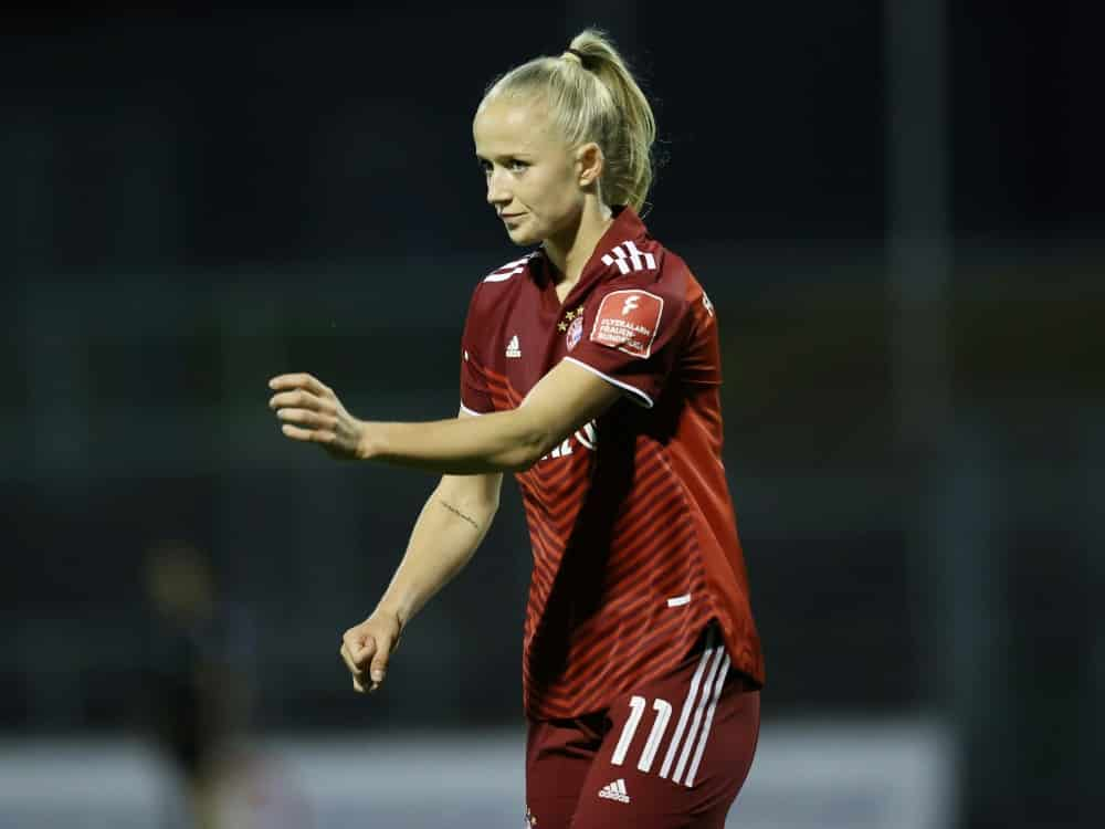 Beim Erfolg der Bayern doppelt erfolgreich: Lea Schüller. ©FIRO/SID